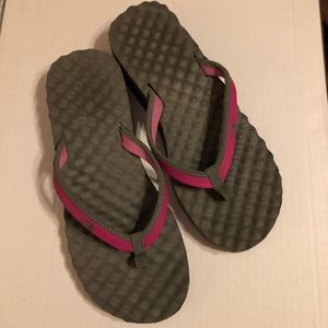 ec8035764dc5 North Face Flip Flops  Sandals